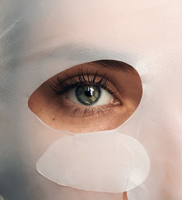 EYE with bio-cellulose mask on